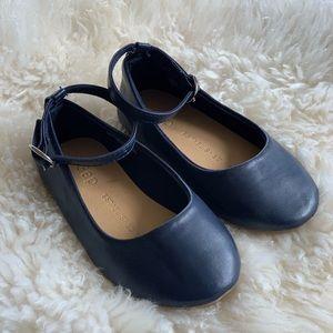Gap Navy Blue dress shoes girls size 6